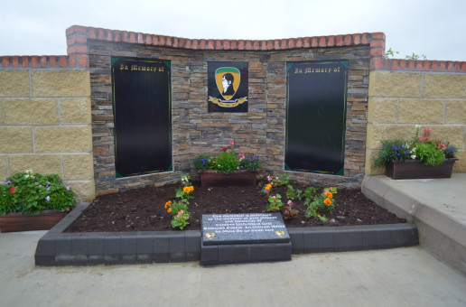 Clonmore Robert Emmets unveil memorial monument to deceased members & players